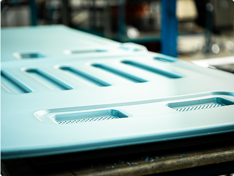 Twin Sheet Vacuum Forming